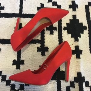 Forever 21 Shoes - Forever 21 red pumps